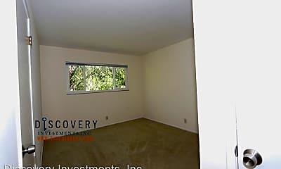 Bedroom, 562 Bancroft Ave, 2