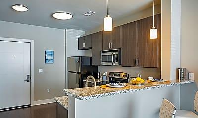 605 West End Apartments, 1