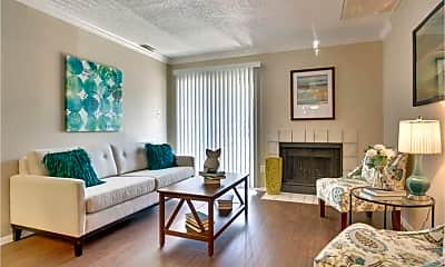 Living Room, 11701 Metric Blvd, 1