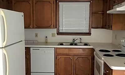 Kitchen, 606 Knowles St, 1