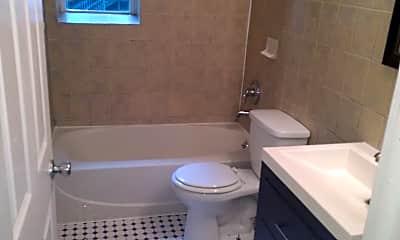 Bathroom, 43 Lasalle Ct, 2