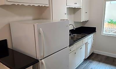 Kitchen, 442 S Alexandria Ave, 2