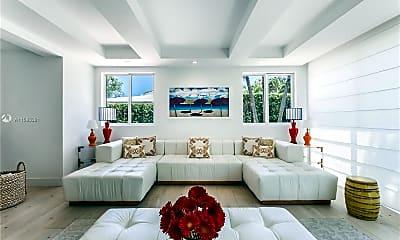 Living Room, 880 W 47th St, 2