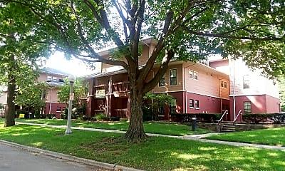 Smith Apartments, 1