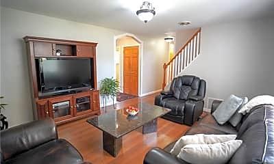 Living Room, 69 Remsen Cir, 1