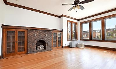 Living Room, 5307 W Montrose Ave, 0
