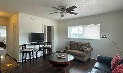 Living Room, 1501 N Texas Ave, 1