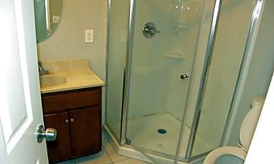 Bathroom, 7519 S Vermont Ave, 2