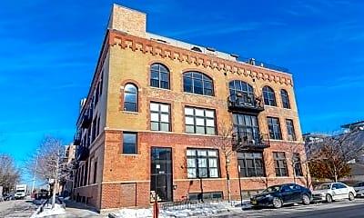 Building, 1050 W Hubbard St, 0