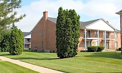 Building, Parkside East Apartments, 0