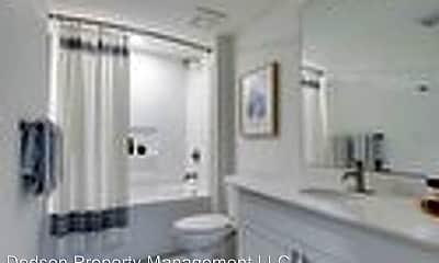 Bathroom, 507 E Main St, 1