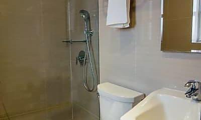 Bathroom, 81 Sullivan St, 2