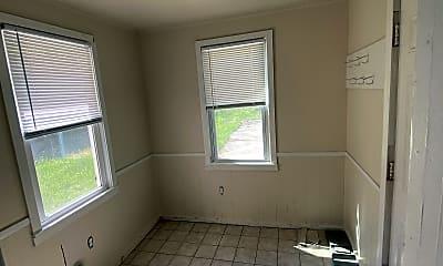 Living Room, 316 Maplelawn St SE, 2