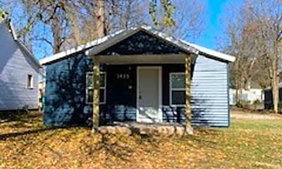 Building, 1433 E Blaine St, 1
