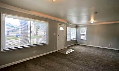 Living Room, 7075 Meadow Ave, 1