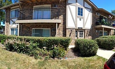 Building, 16W470 Lake Dr 8-106, 0