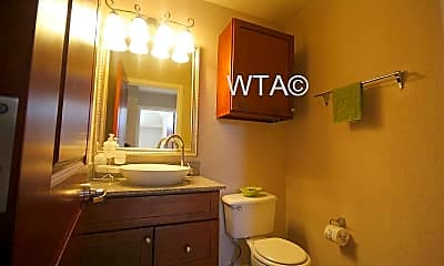 Bathroom, 714 Turtle Creek Blvd, 2