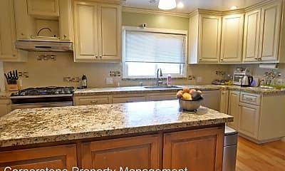 Kitchen, 1428 Calaveras Ave, 1