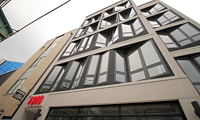Building, 1316 N Front St 4B, 2