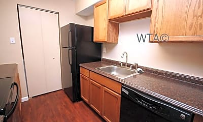 Kitchen, 4900 Medical, 2