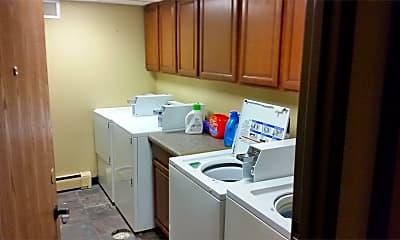 Kitchen, 932 E College St, 2