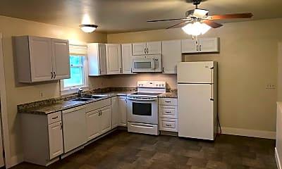 Kitchen, 3390 Canyon Dr, 0