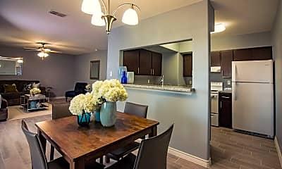 Dining Room, 2320 E Stewart St, 1