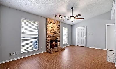 Living Room, 2107 Courtney St, 1