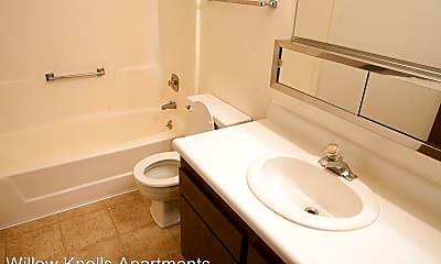 Bathroom, 2221 W Willow Knolls Dr, 2