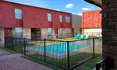 Angelique Apartments, 2