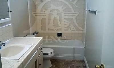 Bathroom, 14020 Elwyn Dr, 2