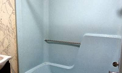Bathroom, 15 Circle Dr, 2