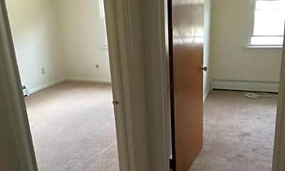 Bedroom, Queens Court Apartments, 2