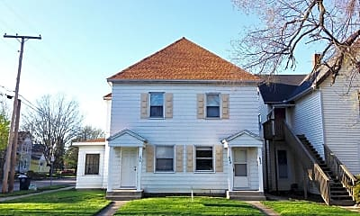 Building, 824 W University Ave, 1