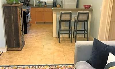 Living Room, 1105 Pierce St NE, 0