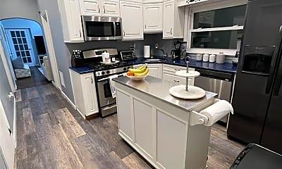 Kitchen, 62 Wilson Ave 2, 2