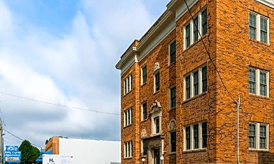 Building, 5822 E Washington St, 2