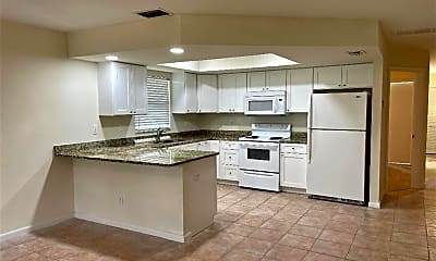 Kitchen, 1327 SE 8th Pl, 1
