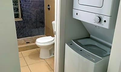Bathroom, 1631 N 20th St, 1