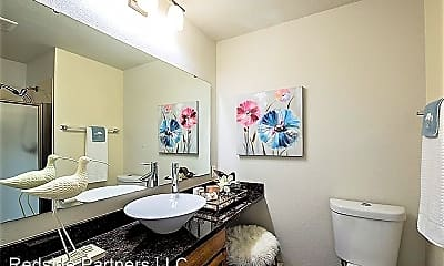 Bathroom, 5631 California Ave SW, 2