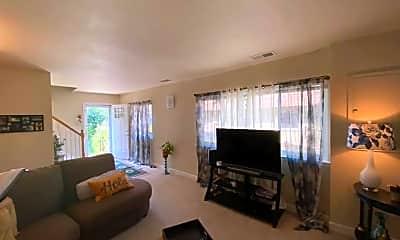 Living Room, 3866 Manzanita Pl, 2