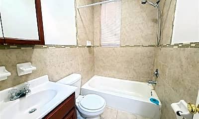 Bathroom, 162 Bergen Ave, 2