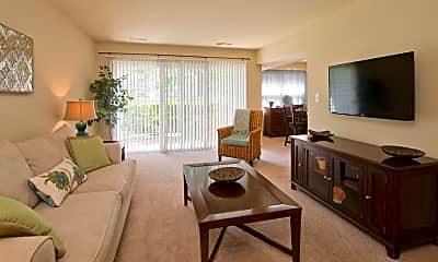 Living Room, Thalia Gardens Apartments and Townhomes, 1