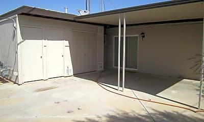 Building, 7521 W Palmaire Ave 2, 1