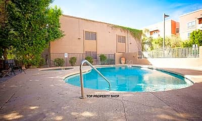 Pool, 1014 E Spence Ave, 2
