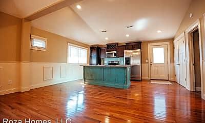 Living Room, 1040 E Walnut St, 1