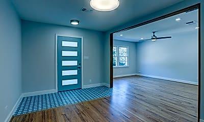 Living Room, 802 E Stone St, 1