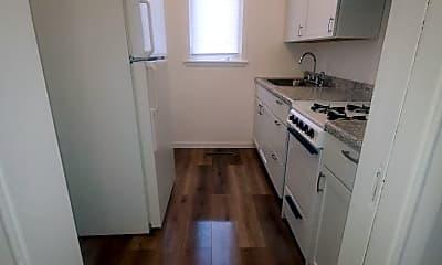 Kitchen, 811 15th St W, 1