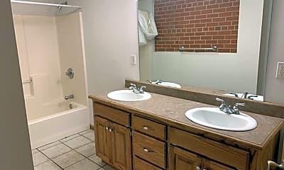 Bathroom, 424 W McDaniel St, 2