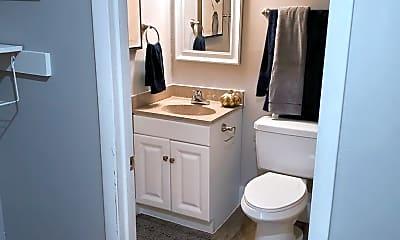 Bathroom, Greentree Homes, 2